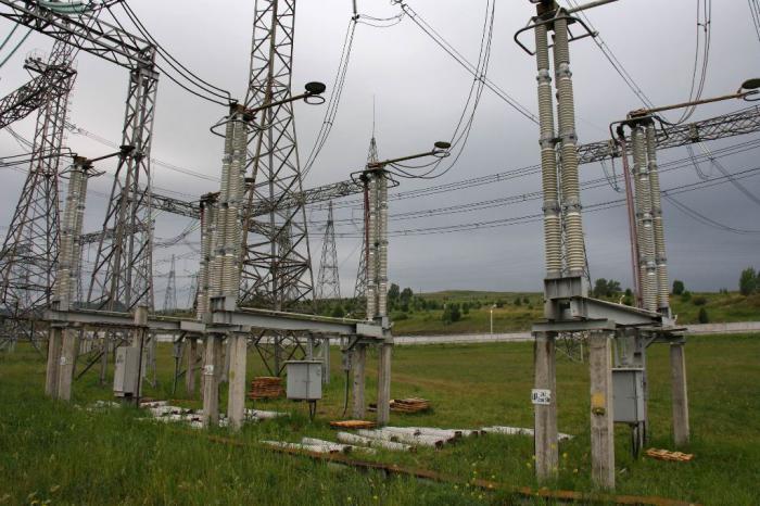 Энергетики продемонстрировали студентам Сибирского федерального университета первое в Красноярске КРУЭ 220 кВ...