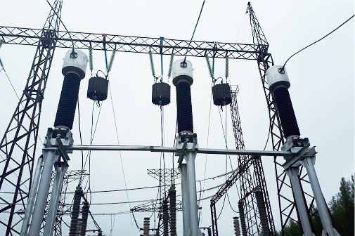 ФСК ЕЭС установила новые трансформаторы тока на подстанции 220 кВ «Мираж» в Ханты-Мансийском автономном округе