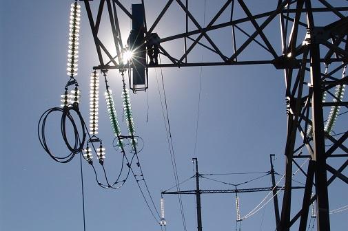 ФСК ЕЭС смонтирует 130 км нового грозотроса для усиления грозоупорности линий электропередачи Москвы и Подмосковья